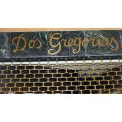 Dos Gregorias 22-003