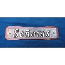 Letrero placa con fondo en tabla 22-011